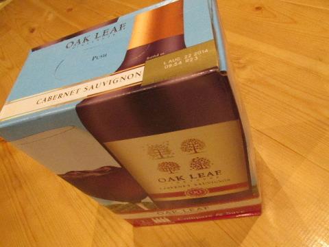 オークリーフ 箱 赤ワイン