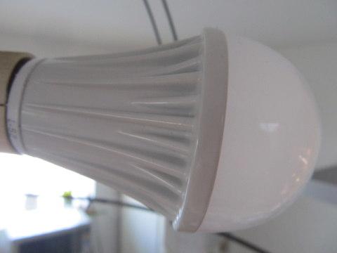 LED電球 イケア